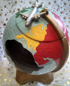 <> World Globe Cookie Jar <> <><> Vintage McCoy <><>