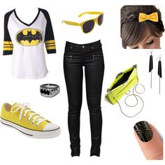 "NaNanananana.......BatMan! This make me want to buy this as my ""six flags attire""!!!"