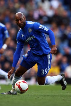 Nicolas Anelka - perennial bad boy but awesome in the Chelsea blue!