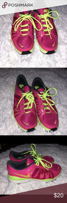 Nike Sneakers Only Used twice- Great condition!!!!! Perfect for the gym and jogging Nike Shoes Athletic Shoes