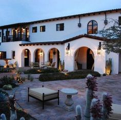 In the raise of varied modern design of houses, Spanish colonial home style is still favorite idea for some people. If you adore the Spanish colonial style as your home design, this article will provide you some ideas that may inspire you in designin Spanish Exterior, Spanish Colonial Homes, Spanish Style Homes, Spanish Revival, Spanish House Design, Colonial Kitchen, Modern Mediterranean Homes, Mediterranean Architecture, Tuscan Homes