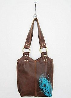 I'm not a fan of twilight, but this bag would be perfect! It's unaffordable so I shall make my own ! #DIY