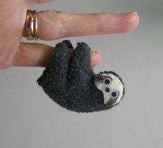 Miniature de paresse ressenti en peluche animal en peluche avec des pieds pliables et peint à la main face - animaux de la forêt tropicale