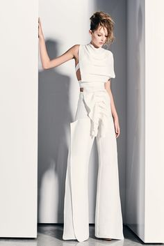 Maticevski - Resort 2017.  A Vision in white.  Look at all of the seams and lines! It's nothing short of fabulous.  It fascinates me. Women's fashion