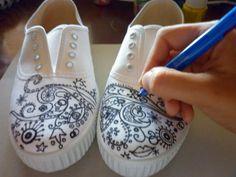 zapatillas pintadas a mano paso a paso | Pintar Zapatillas Paso A Para Latino Photo