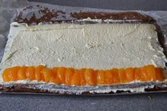 Jednoduchá a chutná roláda. Těsto se neláme, dá se pěkně srolovat a samotná piškota není vůbec suchá a v kombinaci s krémem a ovocem je osvěžující. Autor: Aďka Diy Food, Cheesecake, Fish, Swiss Rolls, Desserts, Basket, Tailgate Desserts, Deserts, Cheese Cakes