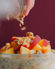 Our Vegan Peaches and Cream Overnight Oats are a must-try! Creamy coconut yogurt, chia seeds, and almond butter swirl together with rolled oats and fresh peaches for a breakfast almost too good to be true! Just 5 MINUTES to prep this protein-packed, sweet, & satisfying treat that's so easy to make and perfect for prepping for breakfasts all week long! Peaches and cream, vegan overnight oats, overnight oats recipe, peaches and cream overnight oats recipe, overnight oatmeal, easy overnight oats Gluten Free Recipes For Breakfast, Vegan Dessert Recipes, Brunch Recipes, Summer Recipes, Dried Peaches, Vegan Overnight Oats, Bakers Kitchen, Plant Based Snacks, Minimalist Baker