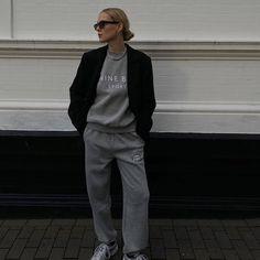 Black blazer over grey sweat top and bottoms from Anine Bing Sport (Marie von Behrens on January 24, 2021) #athleisure #workingfromhome #luxecasual #loungelook #Regram via @www.instagram.com/p/CKcA8pTFHNu/ Marie Von Behrens, Anine Bing, Workout Gear, Athleisure, Sportswear, Bomber Jacket, Normcore, Sporty, Stylish