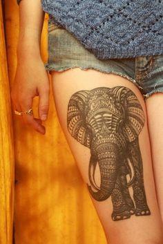 Pierna tatuaje - La parte anterior del muslo es una zona increíble tener un tatuaje gráfico elegante (como el elefante de la vendimia en la foto). Por lo general, estos tatuajes son elegidos por las personas creativas e imaginativas. Un tatuaje como éste representa la individualidad del dueño de una manera única.