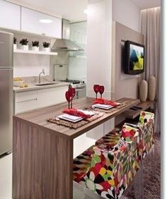 Com um toque de cor #decor #decora #decoracao #decoração #decorando #decoration #desing #detalhes #details #apartamento #apartamentopequeno #apartamentodecorado #casanova #homedecoration #homedecor #cozinha #cozinhapequena #colorido #cozinhadecorada #cozinhaamericana #casanova