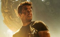 Mark Wahlberg in Transformers : Age of Extinction (click to view)