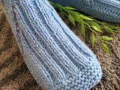Носки на двух спицах без шва'te | OK.RU Crochet Baby Booties, Knitting Socks, Leg Warmers, Knitting Patterns, Projects To Try, Slippers, Modeling, Mini, Google Translate