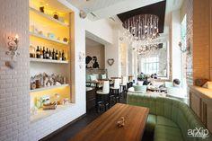 Кафе-Кондитерская-Бар СЧАСТЬЕ на Исаакиевской площади: интерьер, ресторан, кафе, бар, романтизм, боз-ар, 200 - 500 м2, зал #interiordesign #restaurant #cafeandbar #romantic #200_500m2 #hall arXip.com