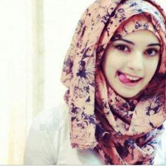 hijabi- great eyebrows, batik/dyed scarf  in navy and coral