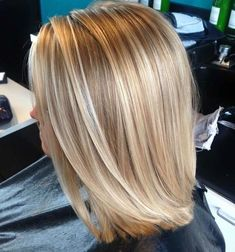 Hair von MoRiya Martin im Salon K Lincoln, Ne – Haare – … - Fall Nails Blonde Hair Looks, Honey Blonde Hair, Blonde Hair With Highlights, Hair Color Balayage, Blonde Color, Ombre Hair, Great Hair, Bob Hairstyles, Hair Inspiration