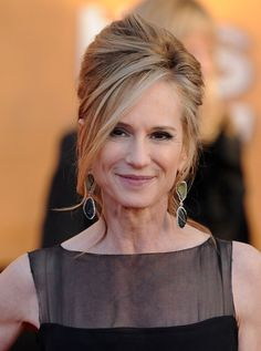 Holly Hunter; Love this color and style!