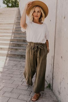Hammon Tie Trouser Back to School Outfit Ideas – Simple Boho Style Outfit for Women – Casual Outfit Inspiration – Summer Fall Transition Outfit Ideas – Off White Blouse Outfits – Wide Leg Tie Pants – Affordable Modest Clothing Boutique Boho Outfits, Modest Outfits, Stylish Outfits, Fashion Outfits, Modest Clothing, Womens Fashion, Simple Clothing, Clothing Ideas, Woman Outfits