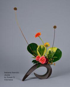 Ikebana Ikenobo free style