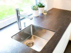 Edles Abwaschbecken - #Küche von krumhuber.design Küchen Design, Sink, Inspiration, Gallery, Home Decor, Image, Concept, Sink Tops, Biblical Inspiration