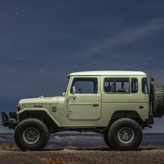Toyota – One Stop Classic Car News & Tips Toyota Lc, Toyota Fj40, Toyota Trucks, Toyota Cars, Toyota Land Cruiser, Land Cruiser 4x4, Carros Toyota, Automobile, Jeep Truck