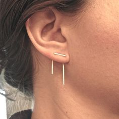 gold Staple line ear jacket stud set jacket pair & stud pair mix and match earring jackets double sided earring front back earring 0144 - Schmuck - Ear Piercing Cute Jewelry, Jewelry Accessories, Jewelry Design, Double Sided Earrings, Gold Filled Jewelry, Gold Jewelry, Jewelry Rings, Selling Jewelry, Earring Backs