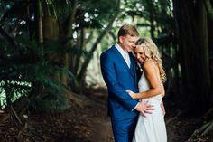 bride and groom boomerang farm wedding photos