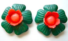 2 x LARGE (49mm) Vintage 3-D Celluloid Flower Buttons, Hot Pink & Green