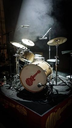 Micky Dolenz Gretsch New Classics Drum Kit on the 2013 Concert Tour