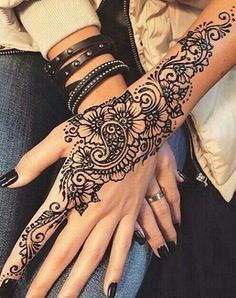 Cool Henna Tattoos For Back Hands – Henna Designs For Girls – Mehandi – Henna 2020 Cool Henna Tattoos, Henna Tattoo Designs Arm, Henna Inspired Tattoos, Simple Henna Tattoo, Nail Tattoos, Tatoos, Cute Henna Designs, Mehandi Designs, Beautiful Henna Designs