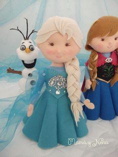 Felt Doll Patterns, Stuffed Toys Patterns, Elsa E Anna Frozen, Elsa Anna, Frozen Felt, Felt Crafts Dolls, Frozen Dolls, Puppets For Kids, Frozen Birthday
