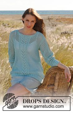 "Knitted DROPS jumper with lace pattern in ""Cotton Light"". Size: S - XXXL. ~ DROPS Design"