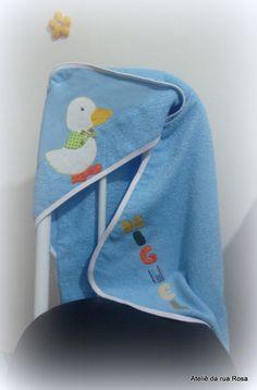 Toalha+de+banho+infantil+com+capuz,+aplicação+de+patch+aplique,+tecido+100%+algodão. R$ 45,00