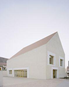 Der Bau des katholischen Gemeindehaus St. Laurentius in Hailfingen wurde mit mehreren Architekturpreisen ausgezeichnet.