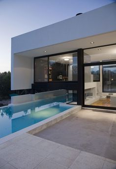 Grand Bell House by Andres Remy Arquitectos (27)