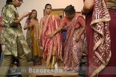 http://www.fotowala.in/wp-content/uploads/2009/11/muslim_wedding_delhi_3.jpg