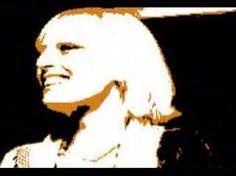 Gabriella Ferri - Sempre Ognuno è un cantastoria tante facce nella memoria tanto di tutto tanto di niente le parole di tanta gente. Tanto buio tanto colore t...