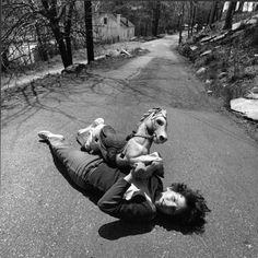 arthur-tress-cauchemar-enfant-noir-blanc-08