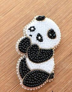 Bead Embroidery Jewelry, Beaded Embroidery, Hand Embroidery, Embroidery Designs, Beadwork Designs, Beaded Jewelry Designs, Bead Jewellery, Beaded Crafts, Jewelry Crafts