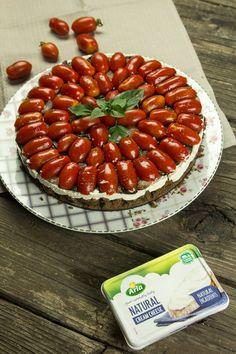αλμυρό τσιζκέικ με ντοματινια & καραμελωμένο κρεμμύδι Cheesecake, Cherry, Strawberry, Fruit, Recipes, Food, Cheesecakes, Essen, Eten