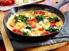 Our popular recipe for omelette with spinach, cherry tomatoes and feta cheese and more than other free recipes on LECKER. Our popular recipe for omelette with spinach, cherry tomatoes and feta cheese and more than other free recipes on LECKER. Feta Cheese Recipes, Veggie Recipes, Low Carb Recipes, Vegetarian Recipes, Dinner Recipes, Healthy Recipes, Free Recipes, Omelettes, Spinach Health Benefits