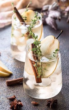 15 Stylish Cocktails Made With Only 3 Ingredients Fancy Drinks, Summer Drinks, Cocktails, Alcoholic Drinks, Beverages, Lemon Vodka, Cocktail Making, Aesthetic Food, Food Photography