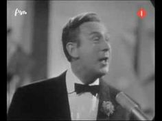 Charles Trenet - Boum (+playlist) Music Songs, My Music, Charles Trenet, Francoise Hardy, I Love Paris, World History, 1920s, Musicians, Wordpress