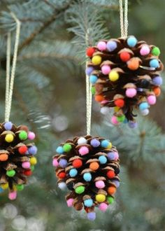 32 DIY Christmas Ornaments That Are Worlds More Special Than Store-Bought - First for Women While you're whipping up some DIY Christmas decorations, don't forget the tree! These holiday crafts will take your spruce from stale to stunning. Christmas Activities, Christmas Crafts For Kids, Diy Christmas Ornaments, Christmas Projects, Kids Christmas, Handmade Christmas, Holiday Crafts, Christmas Gifts, Christmas Decorations