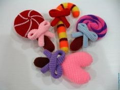 Yum! 10 Inspiring Crochet Candy Photos: Crochet Lollipops and Candy Canes Pattern for sale from SkyMagenta
