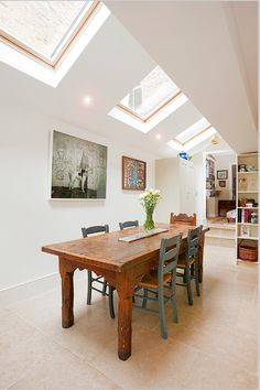 Hire interior designers and builders London for loft conversions and house extensions, such as side return kitchen extensions for Victorian terraced houses. Get an instant online quote and see how you can benefit from a side return extension. Victorian Terrace, Victorian Homes, Side Return Extension, Rear Extension, Extension Ideas, Extension Google, Roof Light, House Extensions, Kitchen Living