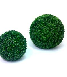 Whether you are looking for a landscaping product with a difference, or something that blends easily in all sorts of landscapes and themes. Read the full article to know more http://www.quora.com/Artificial-Boxwood-Hedge/Posts/Your-date-with-the-class-of-nature-Artificial-silk-Boxwood-Ball-Topiary