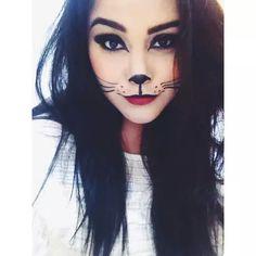 30 Katzen Halloween Makeup Ideen Looks & Trends 2019 Office Halloween Costumes, Cat Halloween Makeup, Halloween Looks, Cat Costume Makeup, Halloween Make Up Cat, Diy Cat Costume, Kitty Costume, Kawaii Halloween, Costume Shop