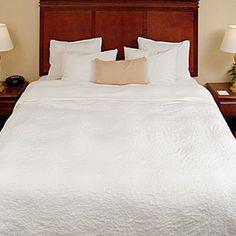 hampton inn cal king bed 1650 - Hampton Inn Bedding