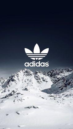 Adidas sur fond de montagne ⛄️