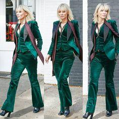 Resultado de imagen para cate blanchett outfits in oceans 8 Cate Blanchett, Suits For Women, Ocean's Eight, Velvet Jacket, Luxury Fashion, Womens Fashion, Fashion Trends, Cheap Fashion, Coats